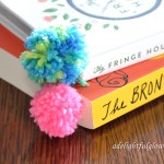 Yarn Along {My Fringe Hours}