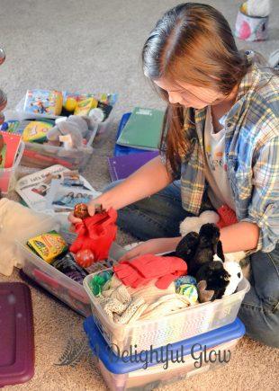 operation-christmas-child-shoeboxes-3