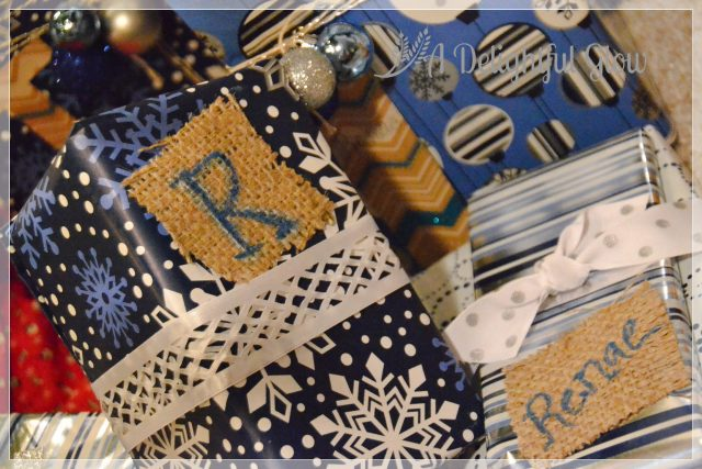 christmas-gifts-with-burlap-name-tags-15