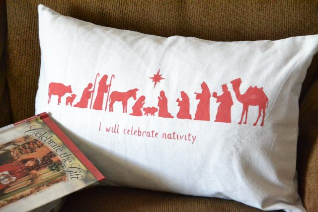 i-will-celebrate-nativity-pillow-5